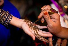 Eid Makeup for Day and Night Wedding Groom, Chic Wedding, Indian Wedding Mehndi, Eid Makeup, Asian Bridal Makeup, Hair Hacks, Hair Tips, Mehndi Designs, Photography Photos