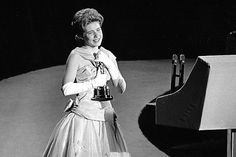 """Patty Duke, who won an Oscar as a teen for """"The Miracle Worker"""" and maintained a long and successful career throughout her life while battling personal demons, has died at the age of 69."""