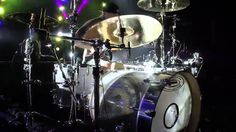 Check out this solo by Travis from the BLINK-182 European Summer Tour 2012. Can a Drummer Get Some?  Free music, limited gear and more at:...