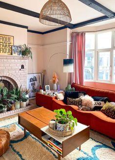 Home Living Room, Apartment Living, Living Room Designs, Living Room Decor, Living Spaces, Room Interior, Interior Design, Colourful Living Room, Decoration
