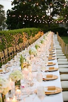 Gold themed outdoor wedding reception tablescape #wedding #gold #goldwedding #reception #tablesetting