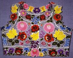 Hungarian embroidered vest from Kalocsa, Bács-Kiskun county, Hungary Chain Stitch Embroidery, Embroidery Stitches, Embroidery Patterns, Hungarian Embroidery, Folk Embroidery, Learn Embroidery, Butterfly Embroidery, Ancient Symbols, Rose Art