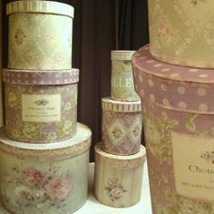 Round Paper Boxes...oooooh I love those and these are sooooo pretty.
