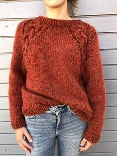 Ravelry: Hildegenseren pattern by Maria Laxdal Prytz og Marlene Kruse Vogue Knitting, Knitting Socks, Knitting Needles, Hand Knitting, Knitting Stitches, How To Purl Knit, Pulls, Knitting Projects, Knitting Patterns