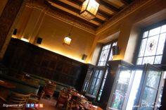 Un salón, el de Bar Cock, que invita a una interesante tertulia. Bar Cock - C/ Reina 16. Chueca-Madrid.