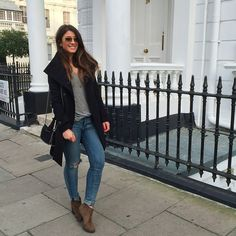 Mimi Ikonn | Black coat, skinny jeans, ankle boots. Winter outfit