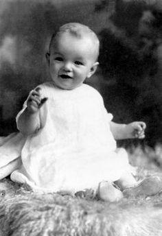 NJ Joe Dimaggio, Rare Photos, Vintage Photos, Antique Pictures, Vintage Books, Fotos Marilyn Monroe, Pin Up, Portrait Studio, Howard Hughes