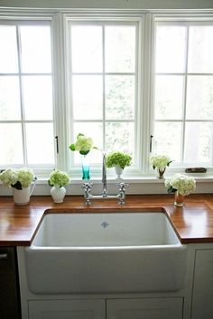 A Country Farmhouse sink and wood counter tops. Style At Home, New Kitchen, Kitchen Decor, Kitchen Sink, Kitchen Interior, Kitchen Runner, Kitchen Islands, Kitchen Backsplash, Kitchen Countertops