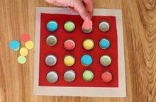 Buntes Kronkorken-Sudoku