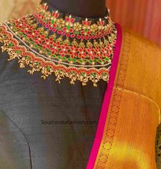 White Blouse Designs, New Saree Blouse Designs, Bridal Blouse Designs, Sari Blouse, Kurti Embroidery Design, Embroidery Blouses, Embroidery Store, Couture Embroidery, Hand Embroidery