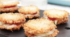 Kokoskakor fyllda med jordgubbar och färskost - Henrik Fexeus recept