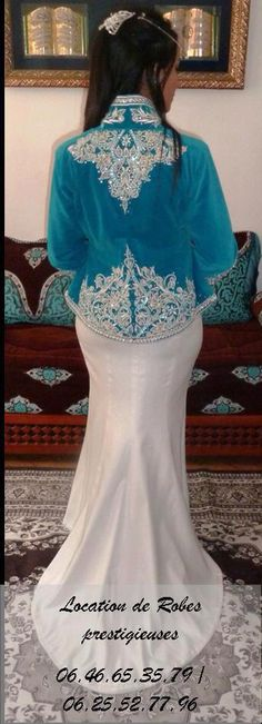 Algerian Fashion: white and blue karakou
