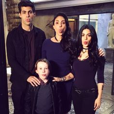 ShadowhuntersTV: The Lightwood family is reunited in 1 hour, EST/CT. Let's do this. #Shadowhunters