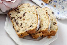 Il plumcake light con gocce di cioccolato è un dolce leggero, saporito e davvero buonissimo per la colazione o la merenda. Ecco la ricetta