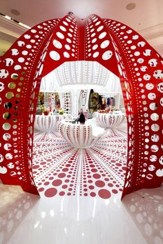 LOUIS VUITTON – YAYOI KUSAMA's pop up store