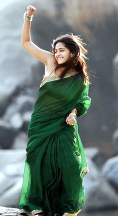 Deep Navel of Anushka Shetty in Green Saree and String Blouse | VISIT www.FILMYBOL.in