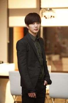 Yoo Seung-ho : So young, yet so Dreamy!!! Definitely an eye candy!