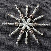 Zboží prodejce chucha / Zboží | Fler.cz Beaded Christmas Ornaments, Christmas Diy, Bead Art, Projects To Try, Hair Accessories, Winter, Etsy, Ideas, Stars