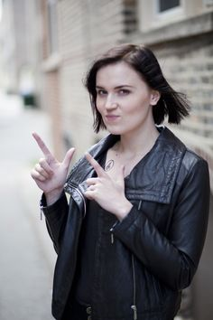 Veronica Roth: Five Factions, Five Days: Day One, DAUNTLESS