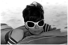 ON SET WITH AUDREY  | Audrey Hepburn on the set of 'Two For The Road', directed by Stanley ...