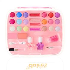 Shop the hottest styles and trends from cool jewellery & hair accessories to gifts & school supplies. Little Girl Makeup Kit, Makeup Kit For Kids, Kids Makeup, Barbie And Her Sisters, Diy Cadeau Noel, Frozen Toys, Jojo Siwa Birthday, Baby Doll Nursery, Barbie Makeup