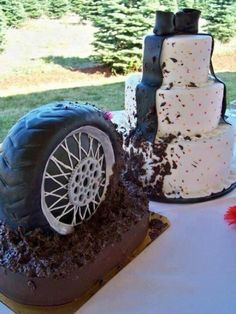 Groom's Cake (Too cute! Tire Spinning Mud on the Wedding Cake.unless that's part of the Groom's Cake) Redneck Wedding Cakes, Themed Wedding Cakes, Unique Wedding Cakes, Wedding Cake Designs, Unique Weddings, Cake Wedding, Redneck Cakes, Redneck Weddings, Funny Wedding Cakes