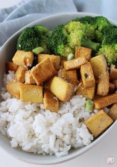 Wegański obiad – czosnkowe tofu – Przepis dietetyka Tofu, Sweet Potato, Vegan Recipes, Food Porn, Food And Drink, Potatoes, Meals, Dinner, Vegetables