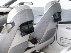 Cadillac Escala Concept (2016) : paire d'écrans au dos des fauteuils