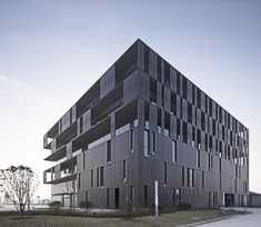 "Built by UDG China in Wuxi, China This is a complex building including office, research, development and manufacture. ""Square"" and ""Round"" elements are..."
