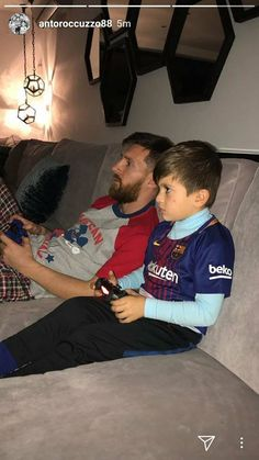 Lionel Messi Recreates El Classico Derby On PlayStation While Playing with His Son (Photos) http://ift.tt/2mvt9rA