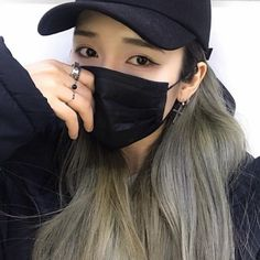 Find images and videos about beautiful, girls and korean on We Heart It - the app to get lost in what you love. Ulzzang Korean Girl, Cute Korean Girl, Cute Asian Girls, Cute Girls, Seoul Fashion, Korean Fashion, Fashion Mask, Girl Fashion, Girl Korea