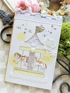 刺繍や切り絵でDIYしてみたい♪ 黄色のおしゃれな席次表一覧。結婚式の席次表まとめ。