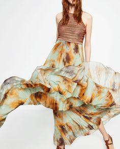 Tie Dye Print Loose Dress from Zara Vestido Tie Dye, Tie Dye Maxi, Tie Dye Dress, Tye Dye, Boutique Zara, Zara Trends, Spring Fashion Outfits, Dress For Success, Zara Dresses