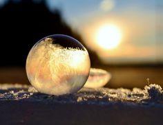 bola de hielo atardecer