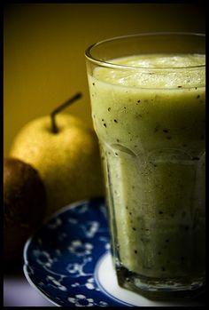 Pear Smoothie  2 ripe pears  The juice of 1 medium sized lime  3 kiwi fruits   Blend in Vita Mix until smooth.