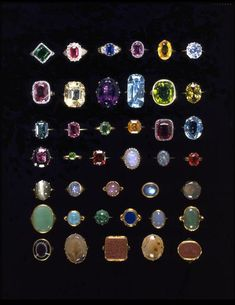 This collection of 154 jewels and gems was bequeathed to the Victoria and Albert Museum in 1913. #GemstoneJune