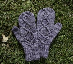Ravelry: Nord Mittens of Dwindling Frost pattern by Emily Ringelman