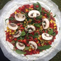 Raw till 4 pizza. Low fat & vegan. For the base just mix flour with baking powder, herbs and water until desired consistency. Super easy! #vegan #rawtill4