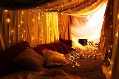 dream, blanket forts, christmas lights, tent, fairi, den, place, bedroom, parti