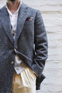 Floppy feel Charcoal donegal-tweed jacket – from Steven Hitchcock – Permanent Style Tweed Outfit, Tweed Blazer, Dapper Gentleman, Gentleman Style, Harris Tweed Jacket, Tweed Jackets, Father Of The Bride Outfit, Tweed Run, Ivy League Style