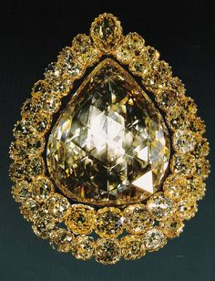 The Spoonmaker's Diamond is a 86 carats (17 g) pear-shaped diamond which is…