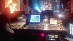 Lollapalooza fué concebido en 1991 por Perry Farrell, ex cantante de Jane's Addiction para dar oportunidad a bandas de rock alternativo, indie y punk rock.