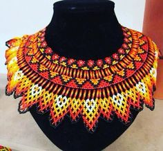 @arte_embera #mostoles #mostacilla #arte #indigena African Fashion, Seed Beads, Womens Fashion, Beaded Necklaces, Jenni, Jewelry, Beading, Creativity, Creative
