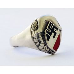 Патриотическое кольцо с изображением свастики