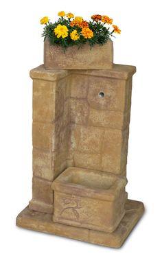 Fontana da giardino fonte antica, old stone