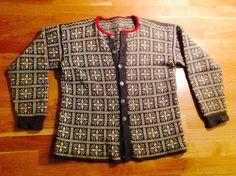 Kofte frå Volda. 60-tallet. Mønsteret er frå Dale Normannakofte 623. Diy And Crafts, Internet, Textiles, Knitting, Sweaters, Collection, Fashion, Moda, Tricot