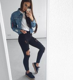 ✨Follow @PlushLadies for more fashion posts!✨ . . . By: @ni_sa_