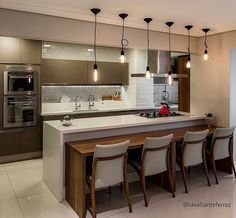 Beautiful kitchen and super modern! Kitchen Room Design, Kitchen Sets, Home Decor Kitchen, Kitchen Living, Kitchen Interior, Home Kitchens, Small U Shaped Kitchens, Small Modern Kitchens, Cosy House