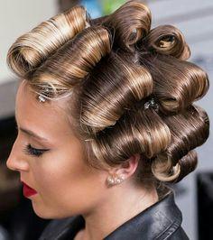 Black Hair Curls, Wet Style, Hair Curlers Rollers, Hair Setting, Pin Curls, Permed Hairstyles, Wet Set, Healthy Hair, Hairdresser