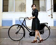 I love everything about this picture. The #bike , the #heeled #oxfords , the flowy #shirtdress . (Don't know why when I try to repin from the board I got it from, the image pixelates, so pinning direct from source.)
